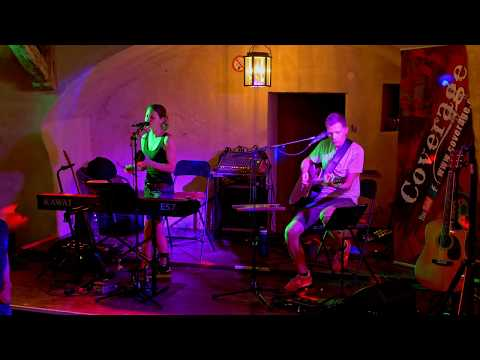 Achy Breaky Heart beim Rieslingfest in Weißenkirchen in der Wachau, Teisenhoferhof - Coverage live