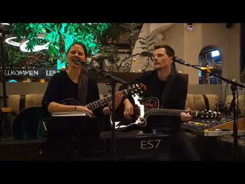 Oscars, Wels - Gortana Passage - Bitch (Meredith Brooks Cover by Coverage) - Unplugged Livemusic
