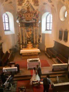 Einzug der Brautleute in der Kirche