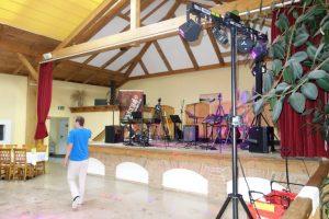 Bühne und Tanzfläche im Feichthub