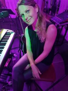 Martina auf der Bühne Preuner Wirt