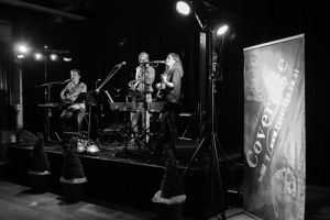 Bühne mit Band im Museum Arbeitswelt